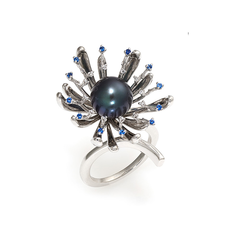Ring white gold burnished 18kt 0,12ct and sapphires 0,18ct Tahiti Pearl