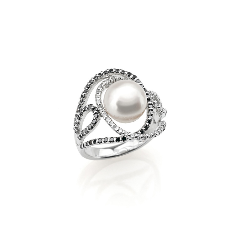 Anello oro bianco 18kt diamanti taglio brillante 0,50ct white color e 0,50ct black color Perla Giappone 9mm.