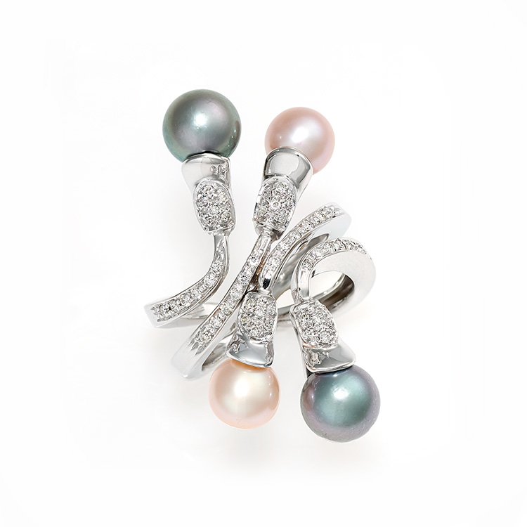 Ring white gold 18kt brilliant cut diamonds 0,30ct Chinese and Tahiti Pearls