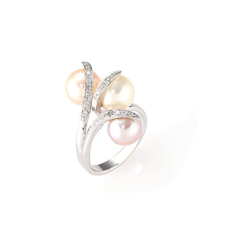 Ring white gold 18kt brilliant cut diamonds 0,15ct Japanese and Tahiti Pearls