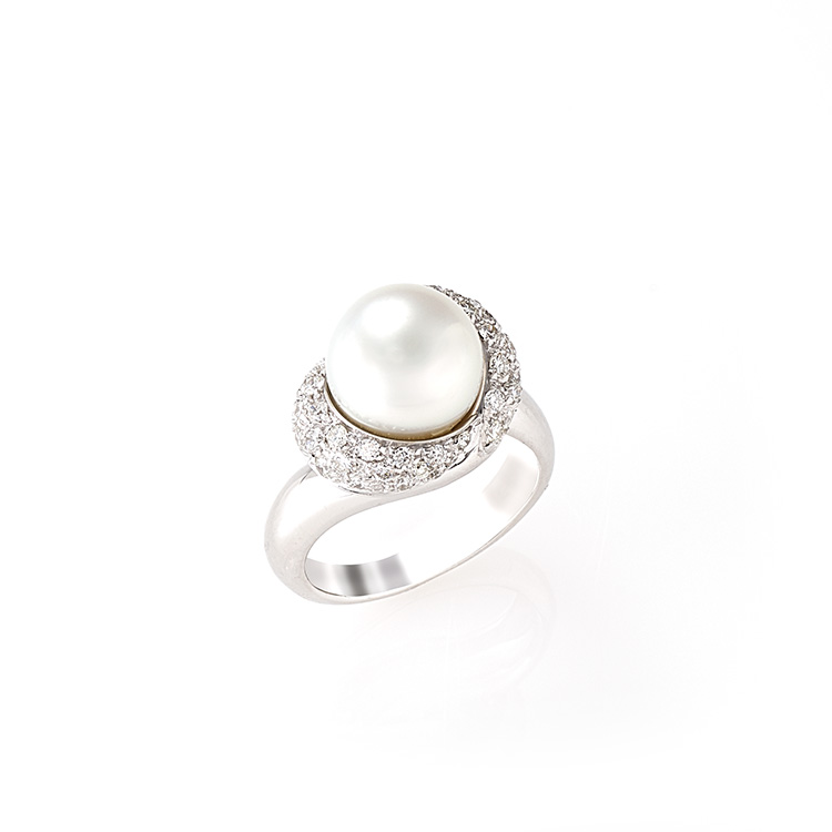 Ring white gold 18kt brilliant cut diamonds 0,90ct Australian Pearl