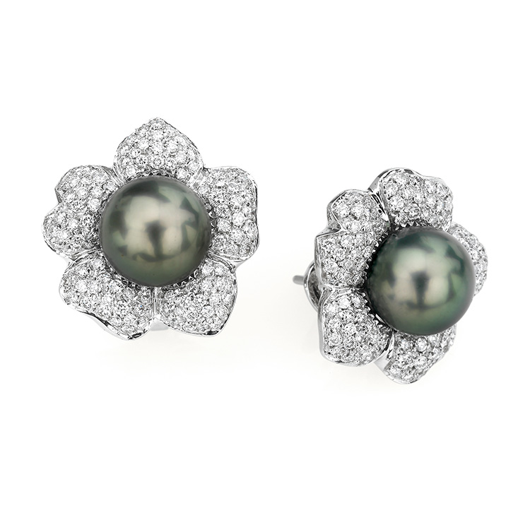 Earrings white gold 18kt brilliant cut diamonds 2,00ct Tahiti Pearls