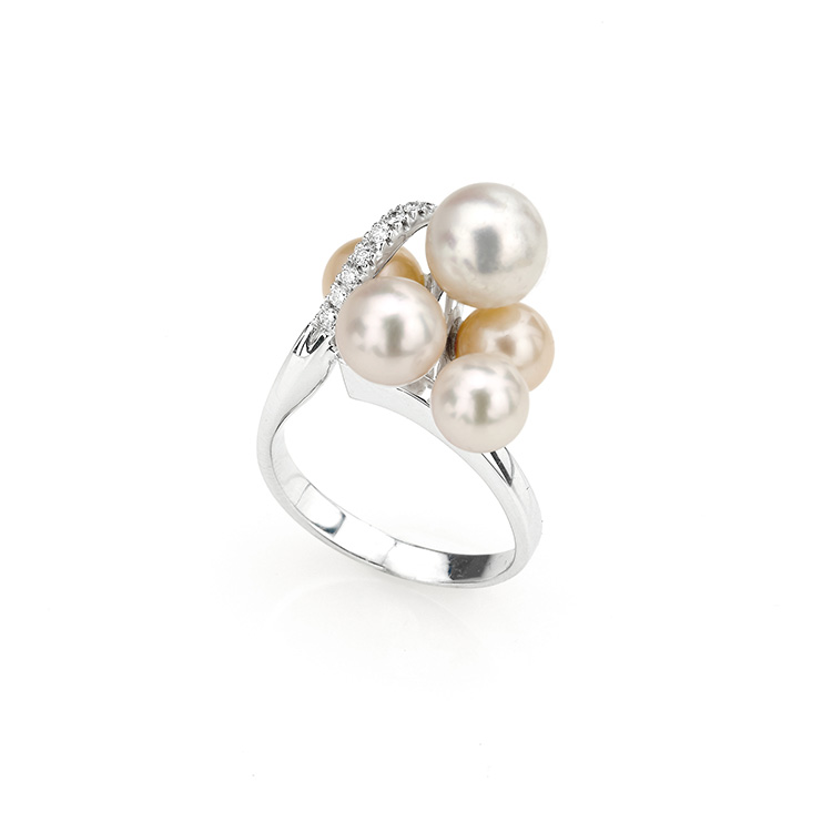 Ring white gold 18kt brilliant cut diamonds 0,10ct Japanese and Chinese Pearls