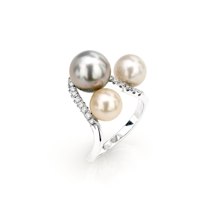 Ring white gold 18kt brilliant cut diamonds 0,10ct Chinese and Tahiti Pearls